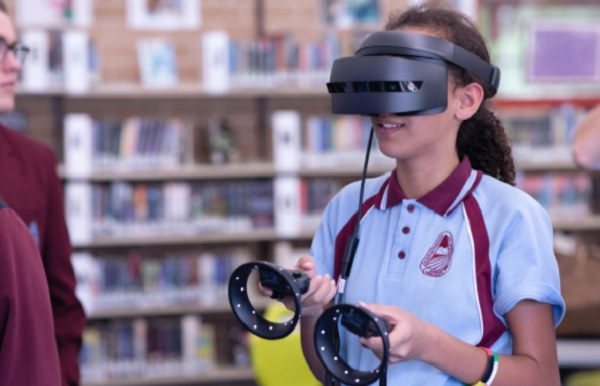 How Virtual Reality Can Help You at Work