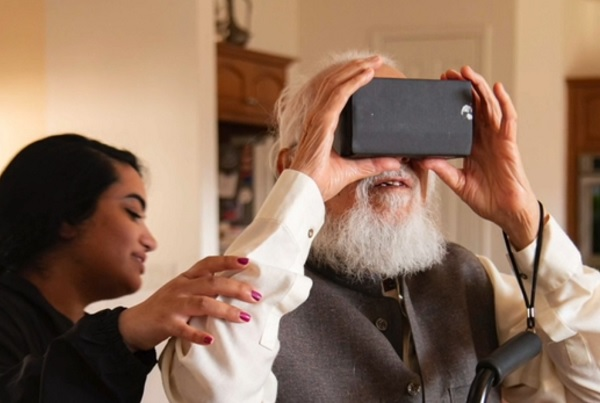 Indians and Pakistanis Visit Their Lost Homes Thanks to VR
